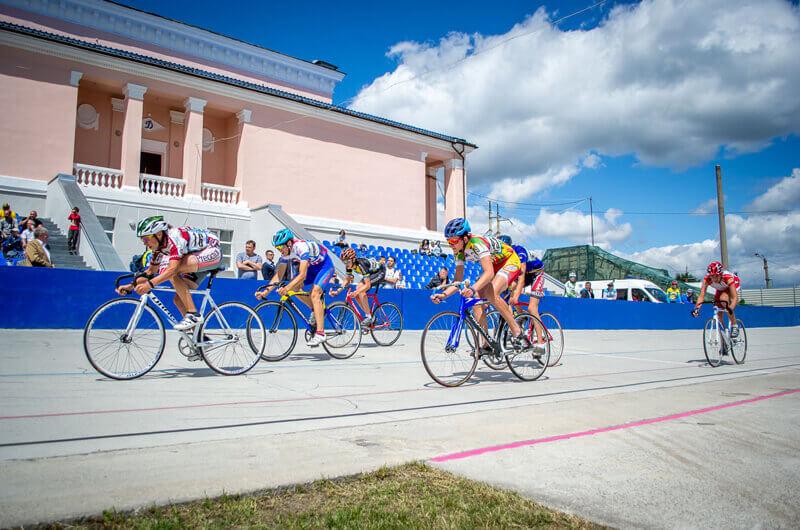 В Харькове торжественно открыли обновленный велотрек «Динамо»