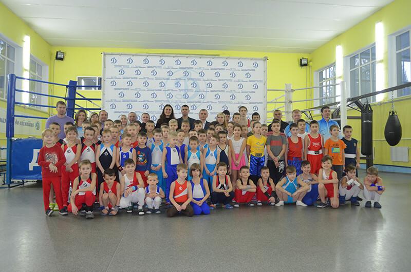 В Харьковском «Динамо» торжественно подняли флаг НОК Украины
