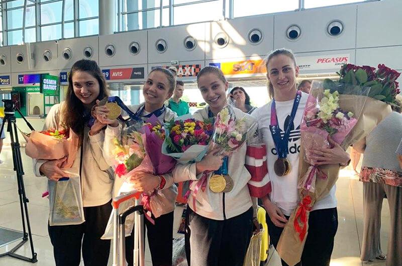 Украинская команда по синхронному плаванию вернулась домой после триумфа на чемпионате мира 2019