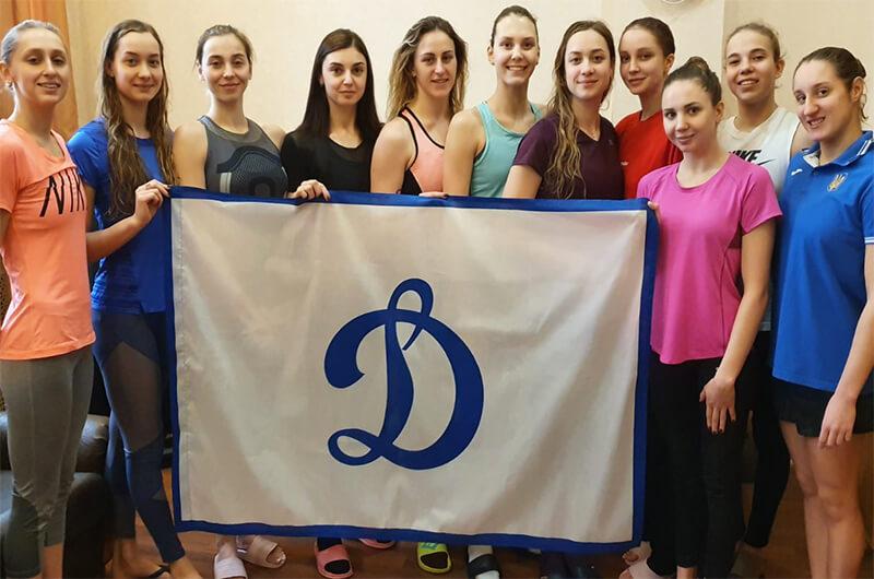 Динамовцы встретились со сборонй Украины по синхронному плаванию