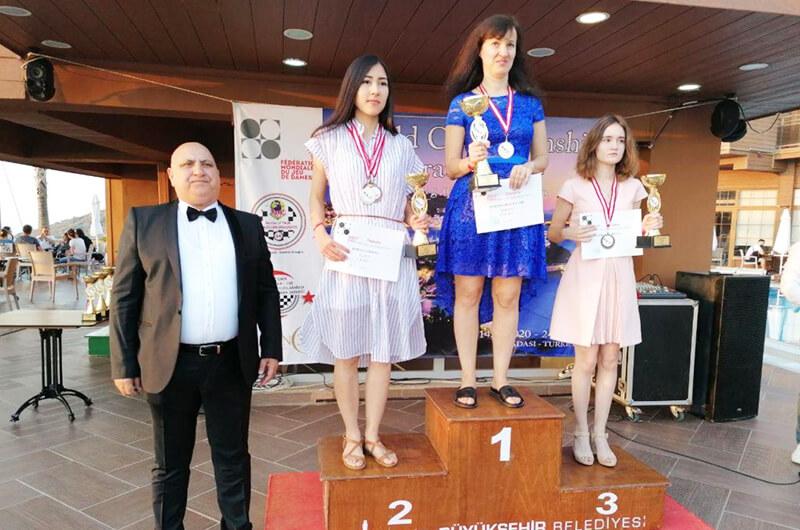 Шахматы. Юлии Макаренкова - трехкратная чемпионка мира 2020